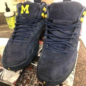 Air Jordan Retro 12 Michigan